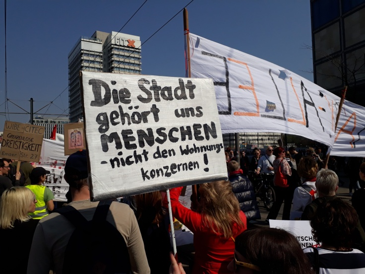 """Plakat """"Die Stadt gehört uns Menschen"""""""